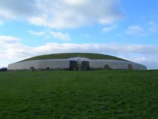 Newgrange & Knowth - Bru na Boinne Visitor Centre - Donore County Meath Ireland