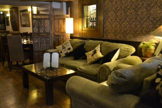 Old Arch Bar & Bistro
