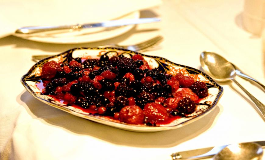 berries kitchen.jpg