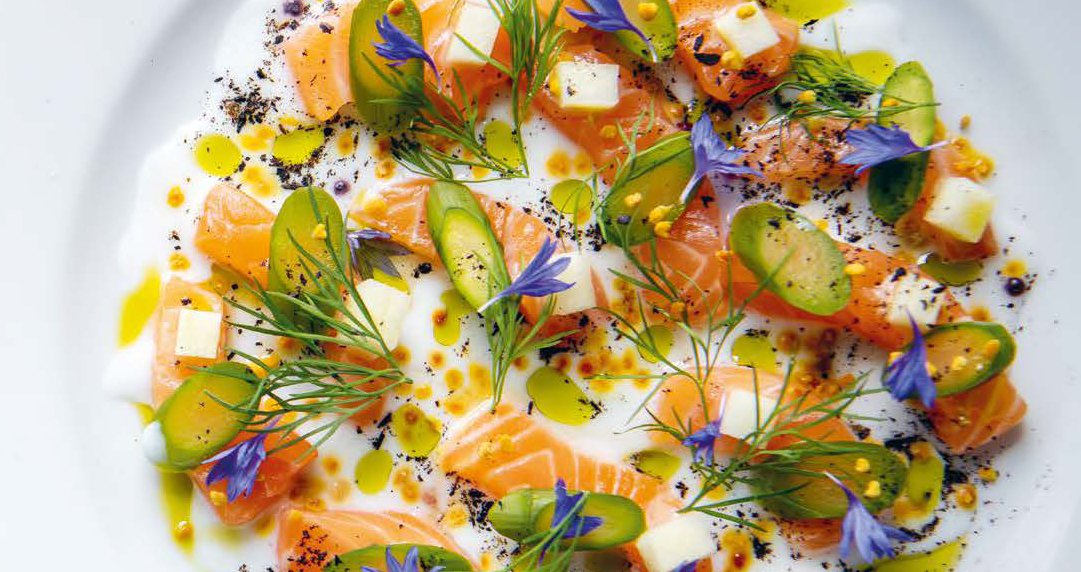 CLARE ISLAND SALMON WITH BONITO VINEGAR, SORREL, APPLE, DILL AND BEE POLLEN