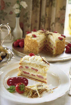 Strawberry Kirsch Cake