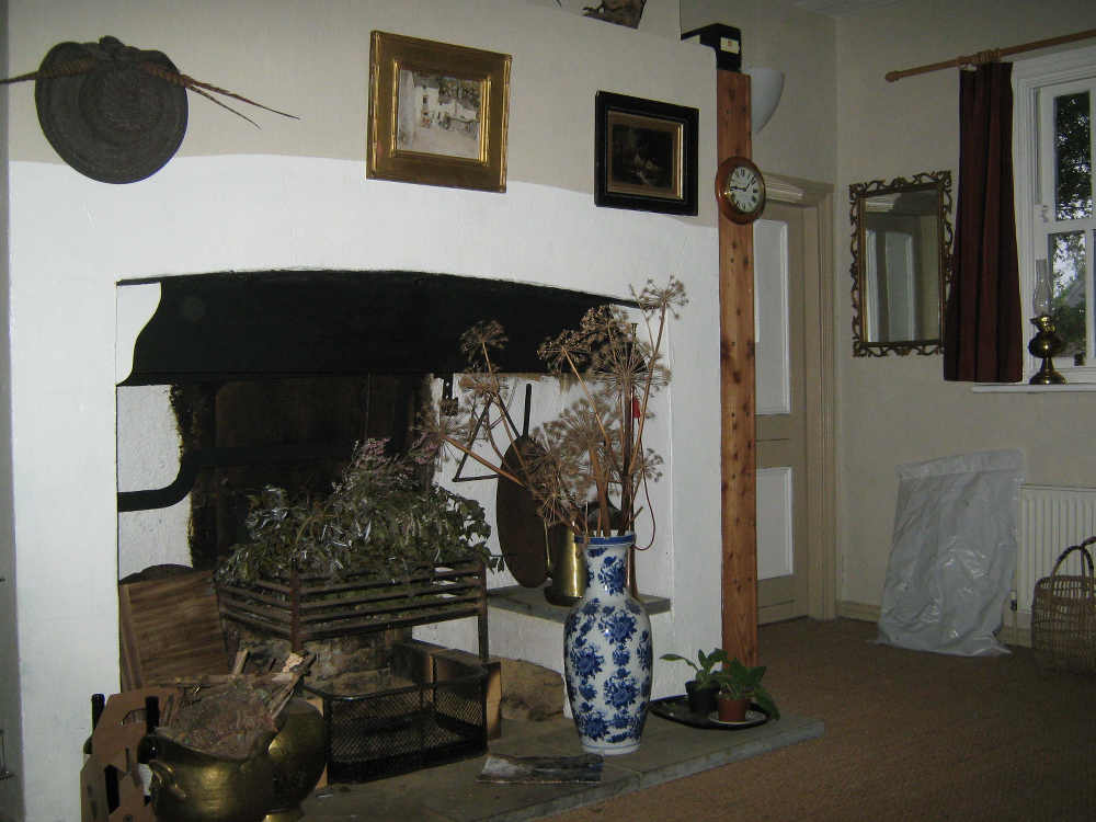 Fire place with crane and ash hole