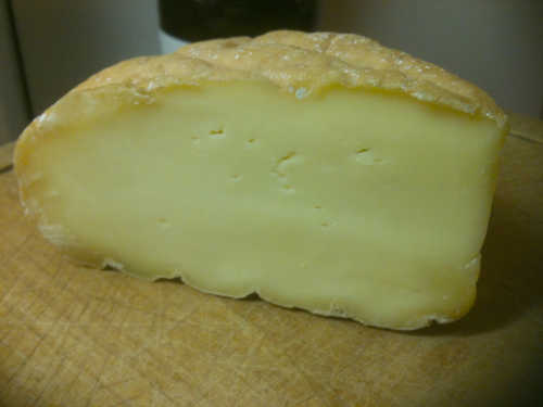 Knockdrinna Brewers Gold Cheese