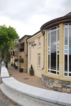 Keenans Hotel & Restaurant