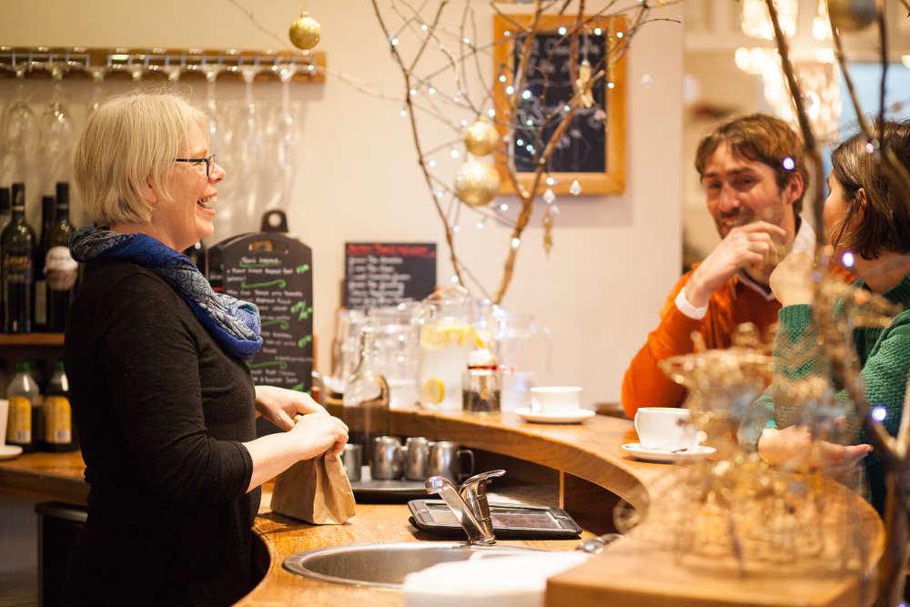 Osta Cafe & Winebar - Brid Torrades