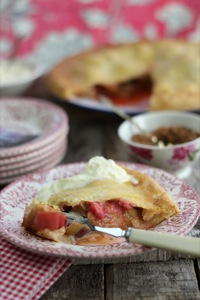 LIZ'S RHUBARB & STRAWBERRY TART