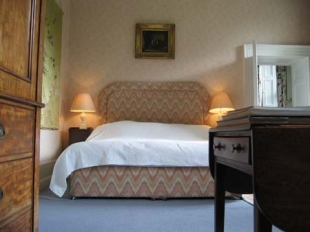 Ballyvolane House - Bedroom