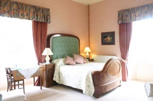 Ballinkeele House - Standard Bedroom