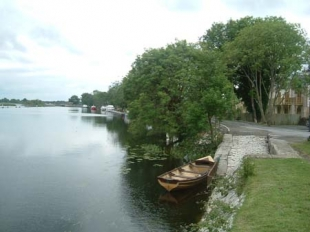 Keenans Bar and Restaurant - River Shannon