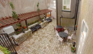 Corrib House Tea Rooms & Guest Accommodation - Galway Ireland - courtyard