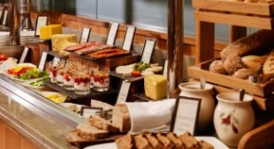 The Strand Breakfast Buffet 1 2000px.jpg