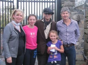 Jonny Depp and the Weir Family.JPG