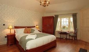Corrib House Tea Rooms & Guest Accommodation - Galway Ireland - Bedroom