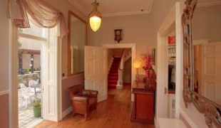 Corrib House Tea Rooms & Guest Accommodation - Galway Ireland - hallway
