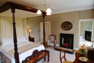 Newforge House - Four Poster Bedroom