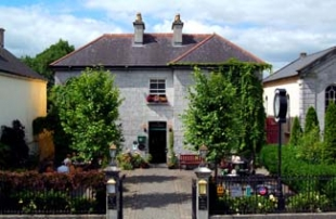 Gleesons Townhouse and Restaurant - Roscommon County Roscommon Ireland - Front