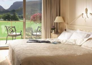 Hotel Dunloe Castle - Killarney County Kerry Ireland - Bedroom