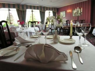 Ross Lake House Hotel - Oughterard County Galway Ireland - Restaurant