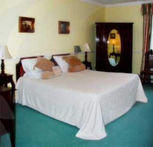 Iragh Ti Connor - Ballybunion County Kerry Ireland - Bedroom