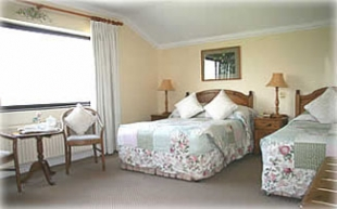 Kathleens Country House - Killarney County Kerry Ireland - Twin Bedroom