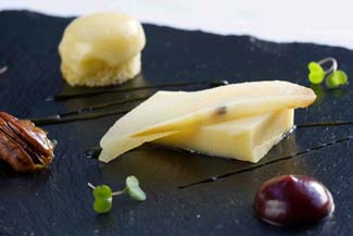 Knockdrinna Meadow Sheeps Cheese rarebit with port & pear puree