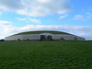 Newgrange & Knowth - Bru na Boinne Visitor Centre - Donore County Meath Ireland